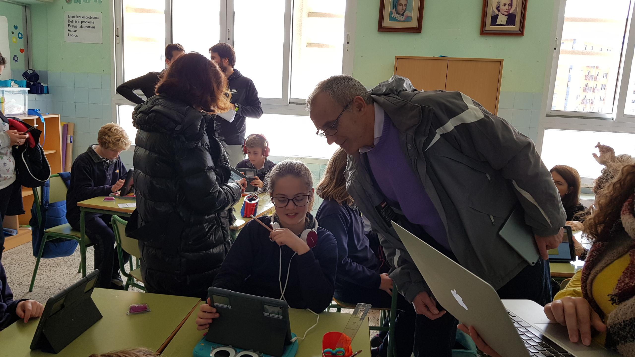 Profesores de varios centros La Salle visitan el colegio La Salle Alcoi para conocer sus buenas prácticas en aprendizaje cooperativo