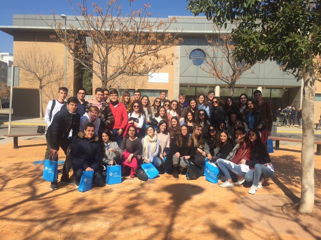 Los alumnos de Bachillerato de La Salle Alcoi visitan la UPV en Valencia y el CEU San Pablo