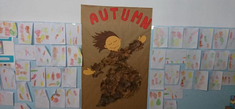 """Alumnos de Primaria crean la """"Autumn woman"""""""