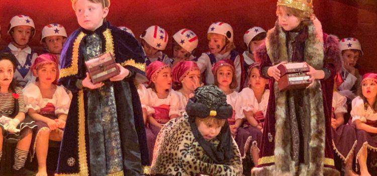 Els alumnes d'Infantil de La Salle Alcoi enceten el Nadal amb el seu meravellós teatre