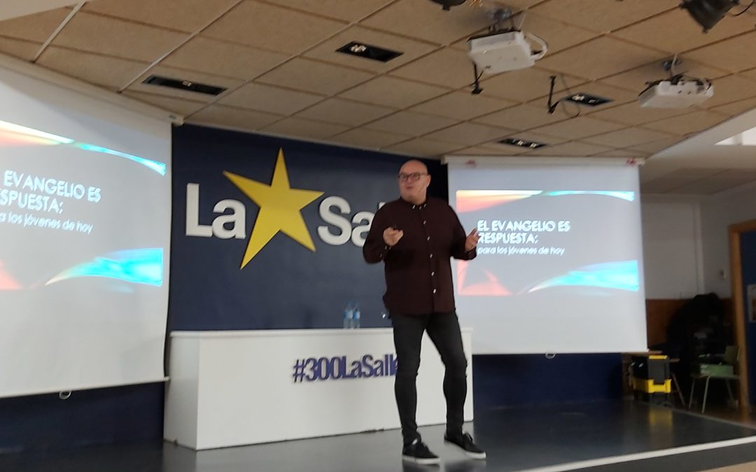 Vicente Esplugues visita La Salle Alcoi